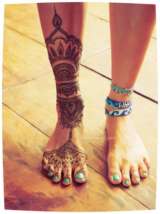 Gorgeous looking leg's tattoo