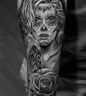 Pretty women's skull tattoo
