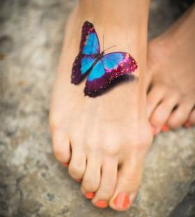 Realistic 3D foot tattoo