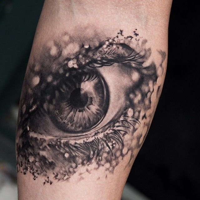 Realistic looking eye tattoo