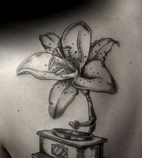 White flower Ilya Brezinski tattoo