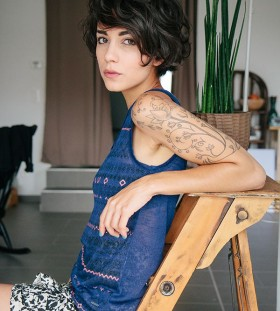 Women's shoulder flowers and fashion style tattoo