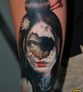Scary face tattoo by Tattoo da Semana