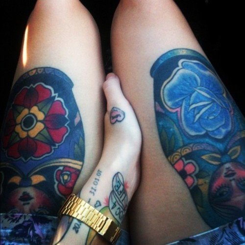 Blue adorable diamond tattoo on leg