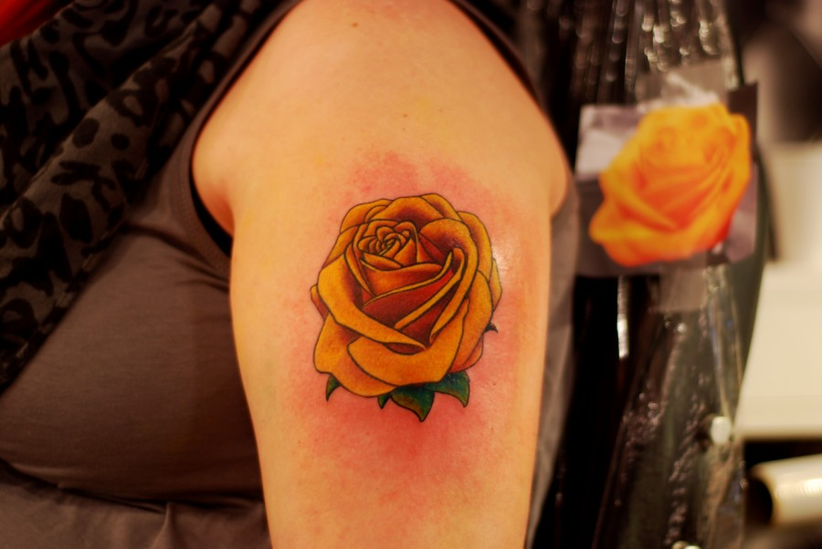 Awesome shoulder yellow rose tatoo