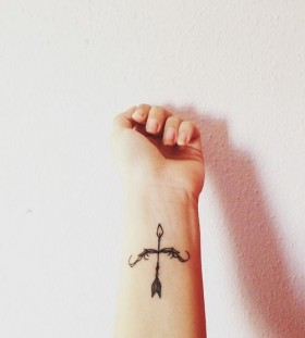 Special hand's black minimalistic style tattoo