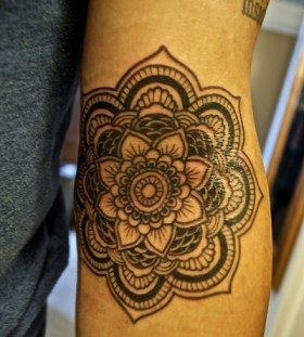 Gorgeous flower indie tattoo
