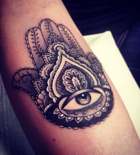 Hamsa black eye tattoo