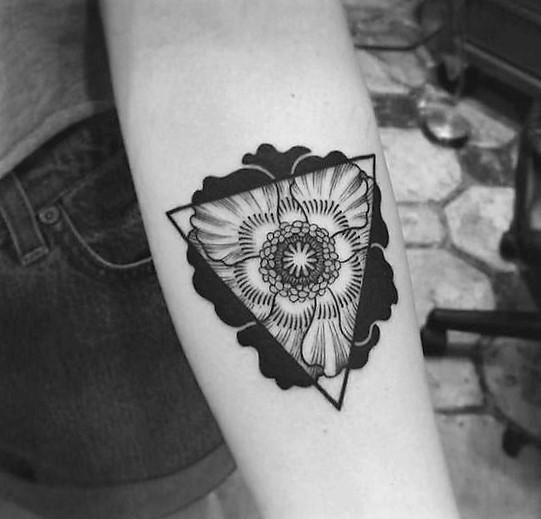 trianlge poppy tattoo by craig secrist