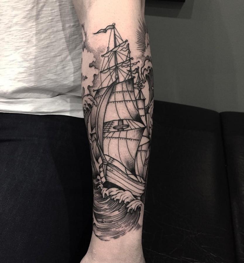 veenom-bleunoir-ship-blackwork-tattoo
