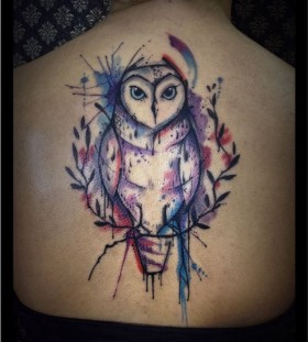 Watercolour owl back tattoo by Tyago Compiani