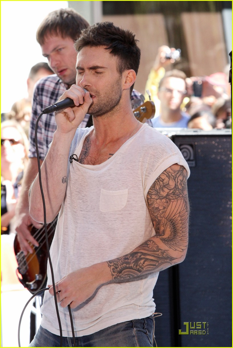Adam Levine Tattoos Seen While Singing