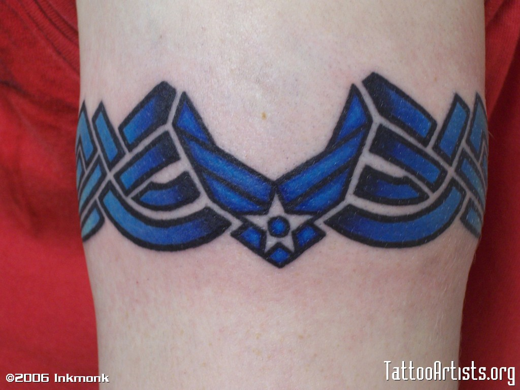 Annorlunda m bler ink force tattoo for Tattoo shops cape coral