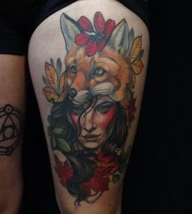 autumn-lady-with-fox-tattoo