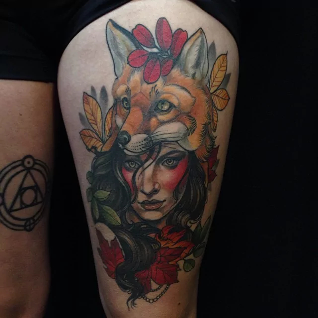 autumn-lady-with-fox-tattoo
