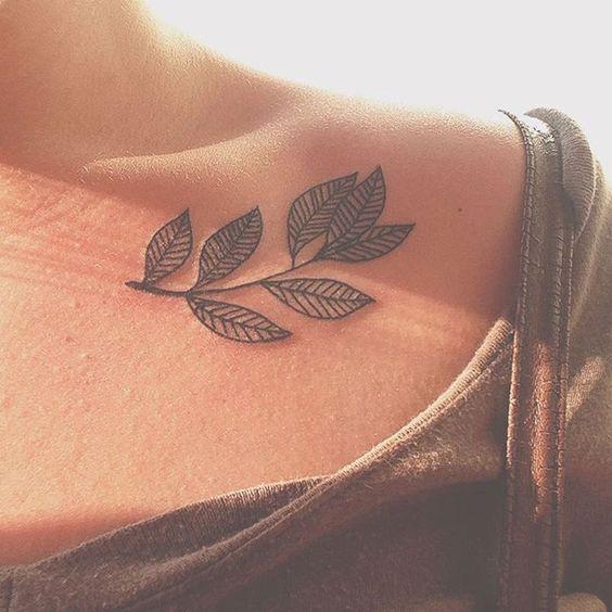 autumn-leaf-tattoo-on-colarbone