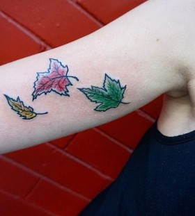 autumn-leaves-on-arm-tattoo