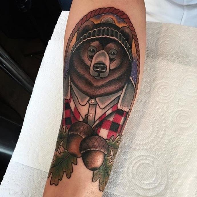 bear-and-acorn-autumn-tattoo
