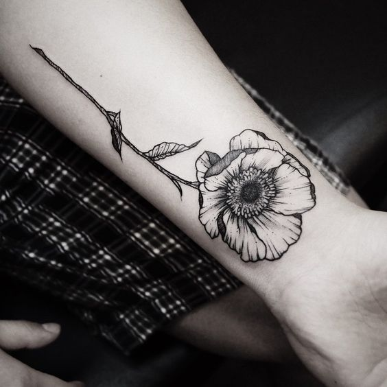 black and gey botanical flower tattoo