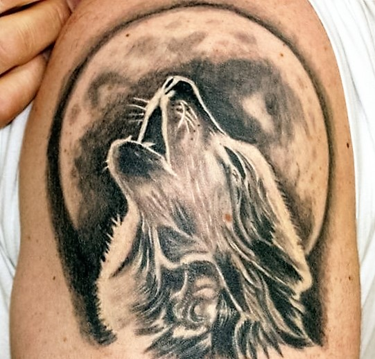 black-and-white-arm-wolf-tattoos