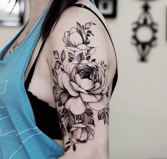 blackwork-rose-shoulder-tattoo