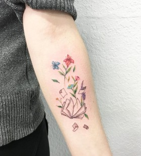 book-and-flowers-tattoo-by-luiza-blackbird