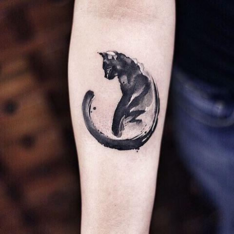 brushstroke-black-and-white-cat-halloween-tattoo
