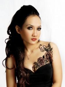 Beautiful Chest Flower Tattoos Design For Women