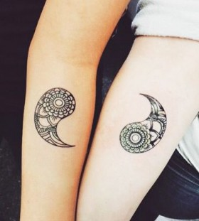 couples-matching-yin-yang-tattoos-1
