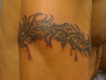 Cool Crown of Thorns Armband Tattoo Outside