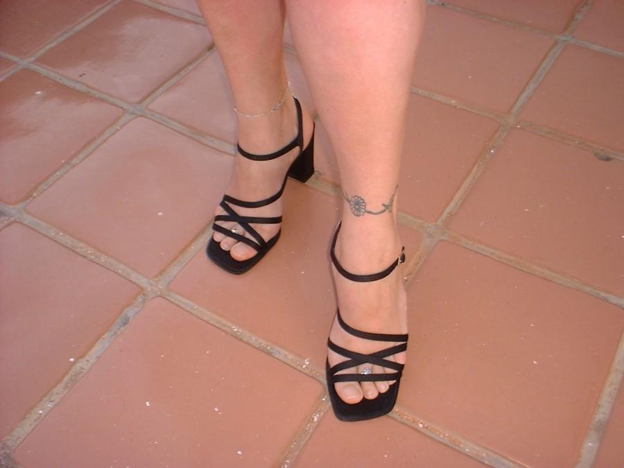Beautiful Daisy Flowers Leg Wrap-Tattoo Design Ideas for Women