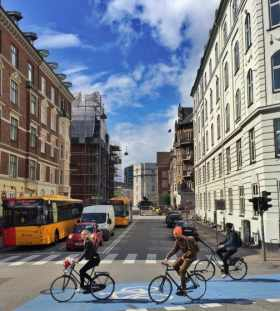 danish-people-prefer-riding-bikes-when-going-to-places_t20_g1EzXz