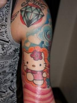 Sweet Diamond Shaped Girls Tattoo Design on Shoulder