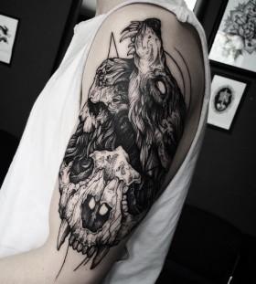 dmitriy-tkach-line-blackwork-skull-tattoo