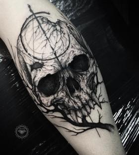 dmitriy-tkach-vampire-skull-tattoo