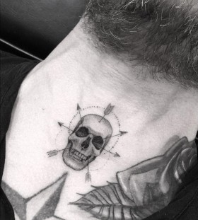 _dr_woo-arrows-skull-tattoo