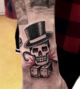 _dr_woo-top-hat-skull-tattoo