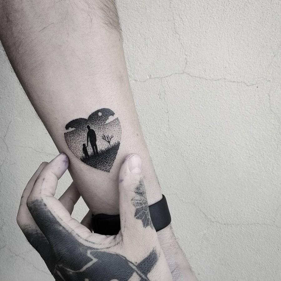 fathers-and-daughters-minimal-tattoo-by-matteonangeroni