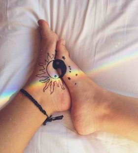 feet-yin-yang-tattoos