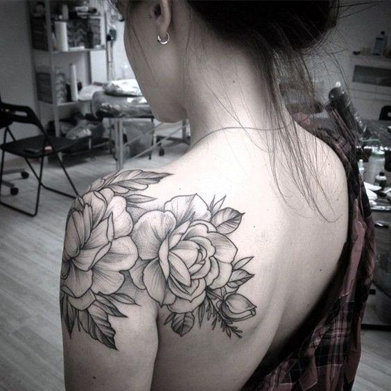 flower-shoulder-tattoo