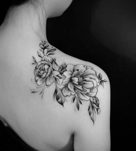 flower-shoulder-tattoo1