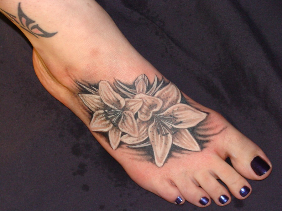 Beautiful Flower Tattoo Designs on Foot