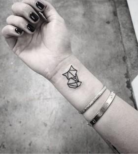 geometric-autumn-fox-tattoo