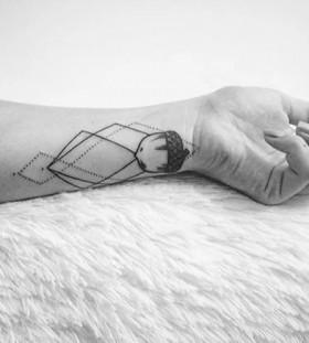 geometric-wrist-acorn-tattoo