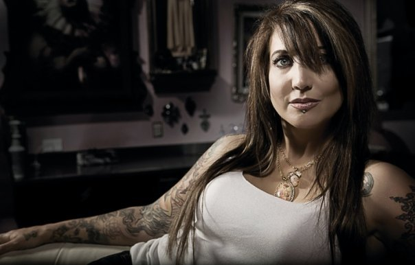 Hannah Aitchison With Her Attractive Tattoos