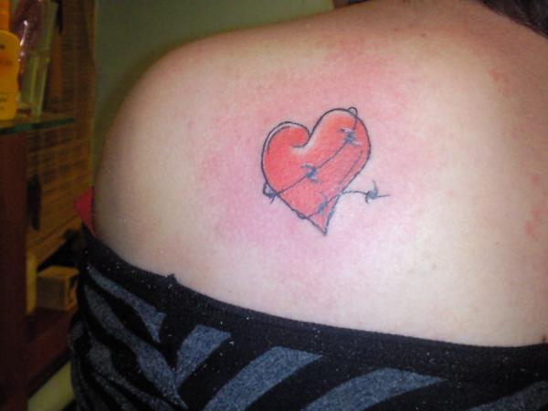 Lovely Heart and Chains Tattoos For Girls