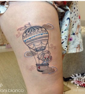 hot-air-balloon-tattoo-by-dani-bianco-1