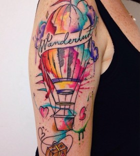 hot-air-balloon-tattoo-by-felipe-bernardes-1