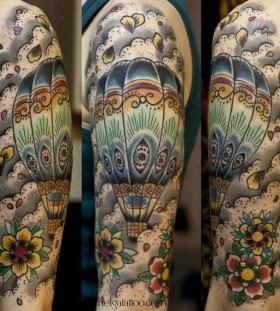 hot-air-balloon-tattoo-by-helga-hagen