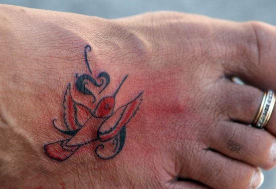 Tiny Hummingbird Tattoos Design on Foot